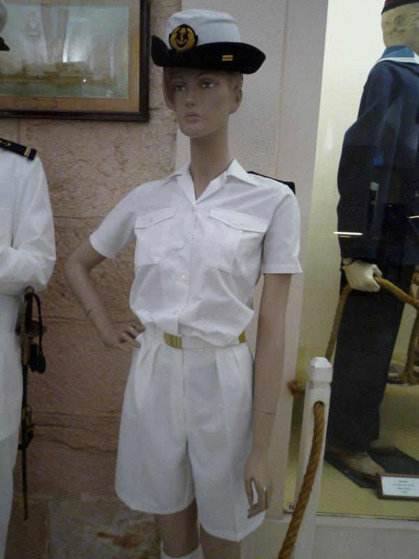 [ Les musées en rapport avec la Marine ] Conservatoire des tenues à Toulon - Page 3 30743010