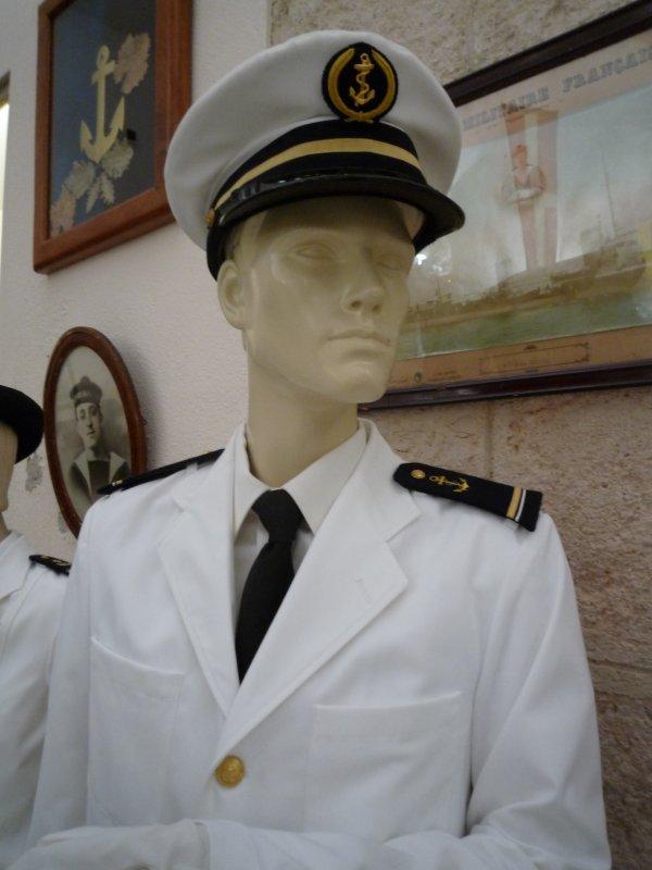 [ Les musées en rapport avec la Marine ] Conservatoire des tenues à Toulon - Page 3 30743011