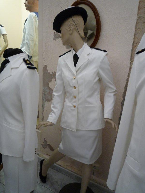[ Les musées en rapport avec la Marine ] Conservatoire des tenues à Toulon - Page 3 30743014