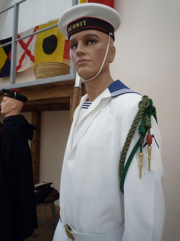 [ Les musées en rapport avec la Marine ] Conservatoire des tenues à Toulon - Page 3 30743611