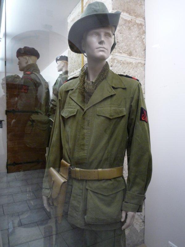 [ Les musées en rapport avec la Marine ] Conservatoire des tenues à Toulon - Page 3 30746810
