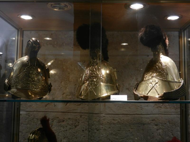 [ Les musées en rapport avec la Marine ] Conservatoire des tenues à Toulon - Page 3 Dscn0710