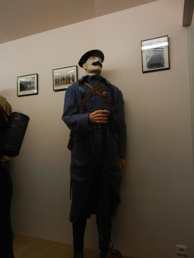 [ Les musées en rapport avec la Marine ] Conservatoire des tenues à Toulon - Page 3 Dscn0714