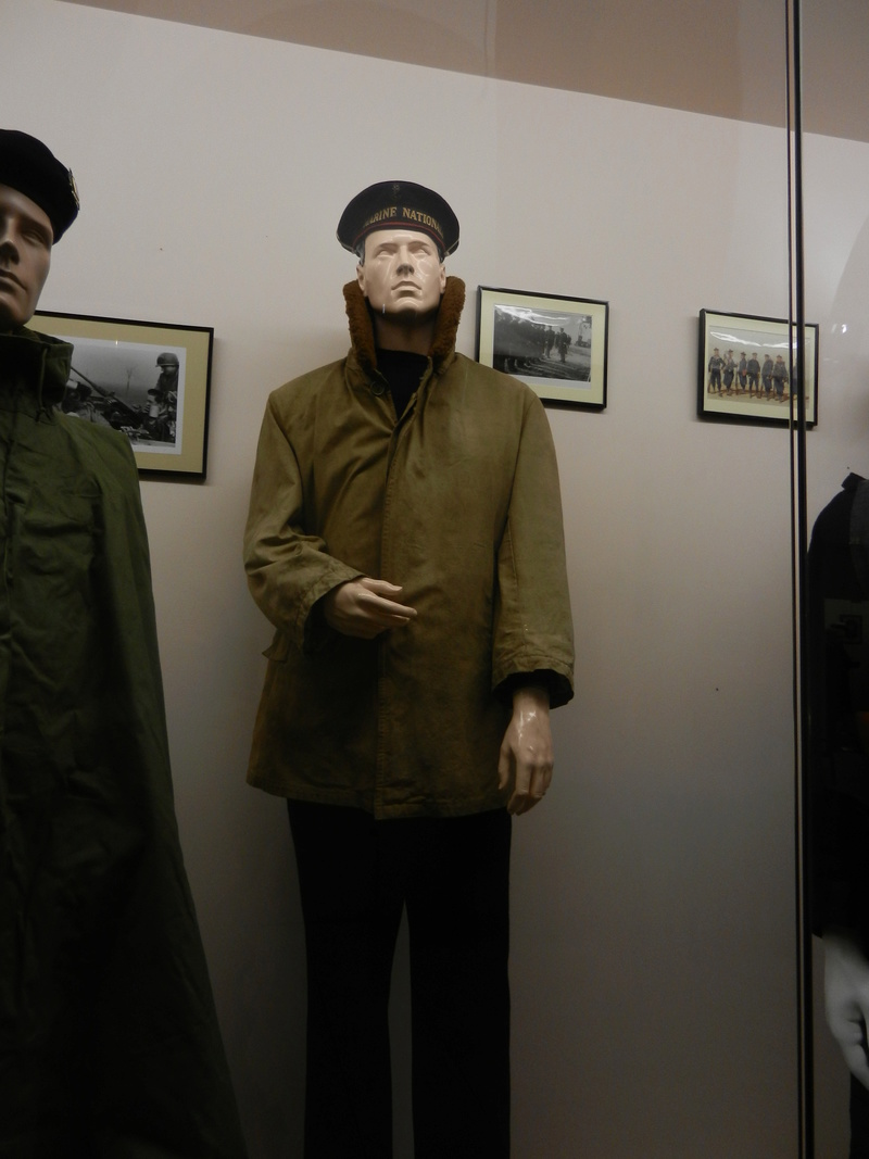 [ Les musées en rapport avec la Marine ] Conservatoire des tenues à Toulon - Page 3 Dscn0716