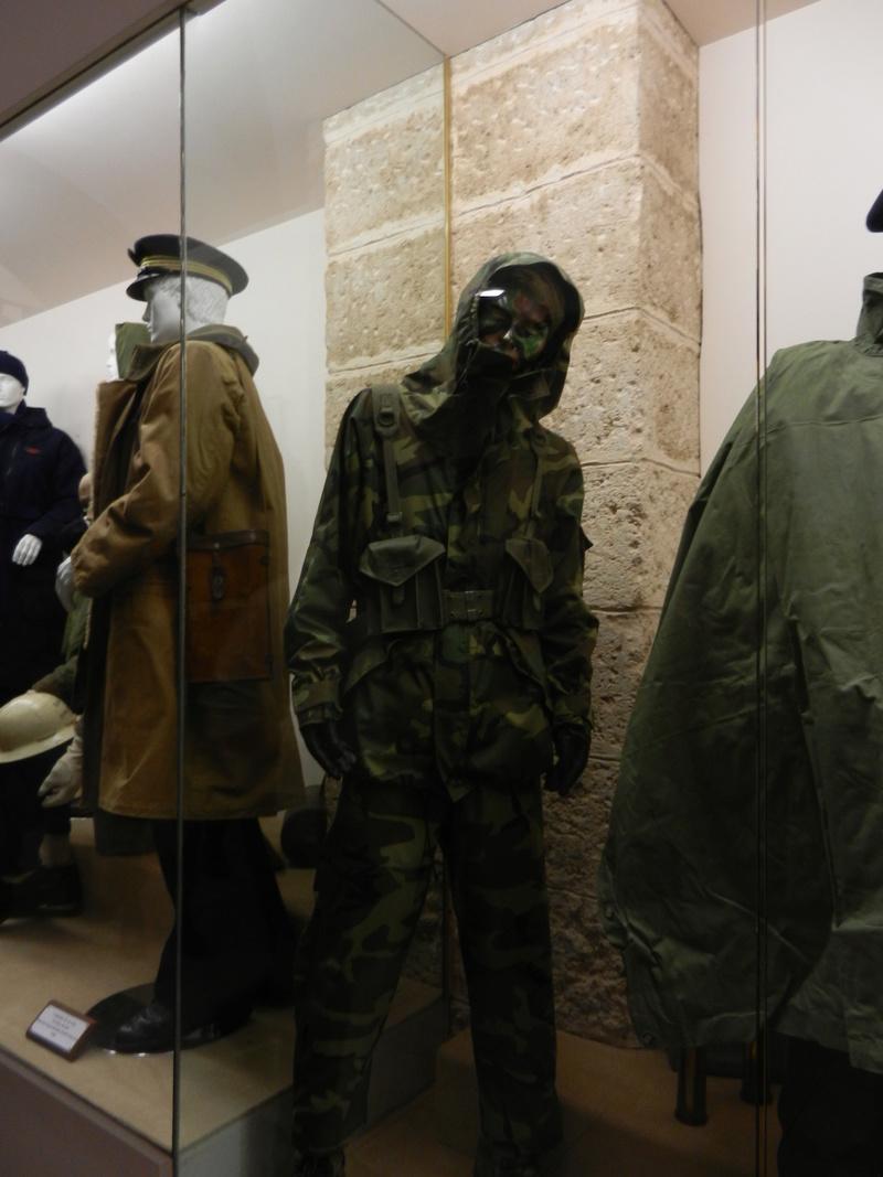 [ Les musées en rapport avec la Marine ] Conservatoire des tenues à Toulon - Page 3 Dscn0717