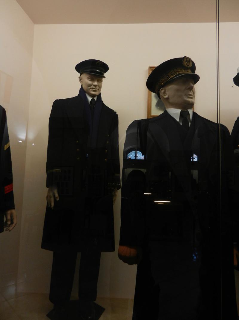 [ Les musées en rapport avec la Marine ] Conservatoire des tenues à Toulon - Page 3 Dscn0721
