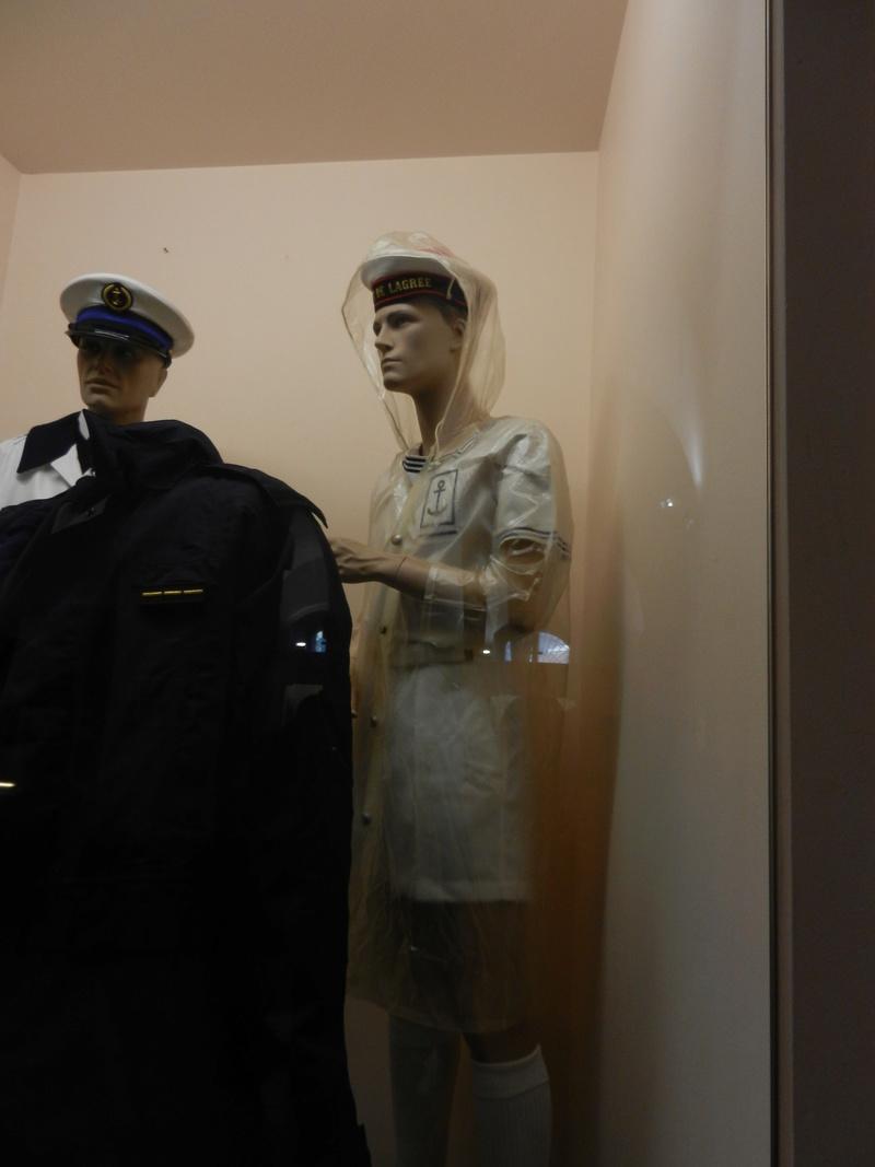 [ Les musées en rapport avec la Marine ] Conservatoire des tenues à Toulon - Page 3 Dscn0727