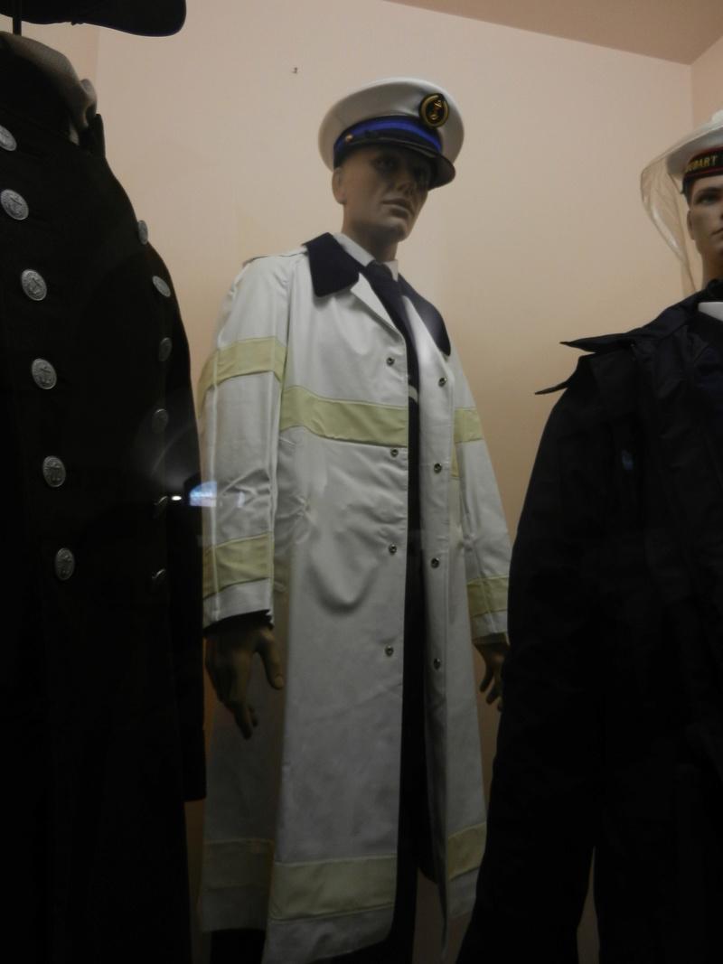 [ Les musées en rapport avec la Marine ] Conservatoire des tenues à Toulon - Page 3 Dscn0731