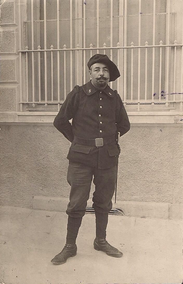Du nouveau pour les anciens Marins (hors commandos) sur la tenue lors des cérémonies patriotiques - Page 3 Numzor15