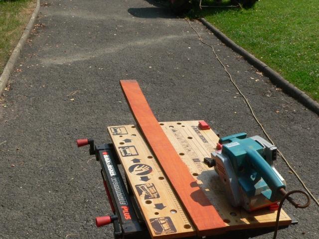 Construction d'une palissage en partie arrondie P1020215