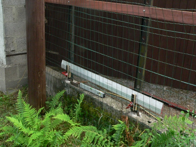 Construction d'une palissage en partie arrondie P1020222