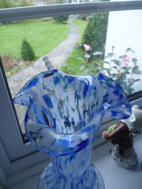 Large Spatter style vase but is it Italian or Czech? Spat110