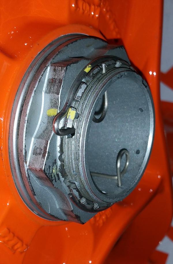 Ecrou roue AR cassé 20161122