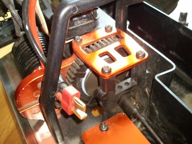 renforcer optimiser - Renforcer/fiabiliser E-Revo/Revo 1/8 Photo020