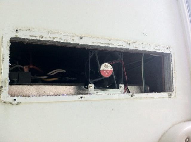température du frigo (thermomètre et ventilateur) - Page 2 Photo_11