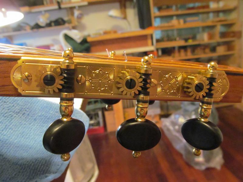 Le coin du luthier : les belles mécaniques Img_1710