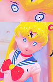 A really creepy Sailor Moon statue  Creeep10