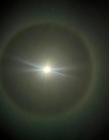 La lune et les cristaux de glace 55555510