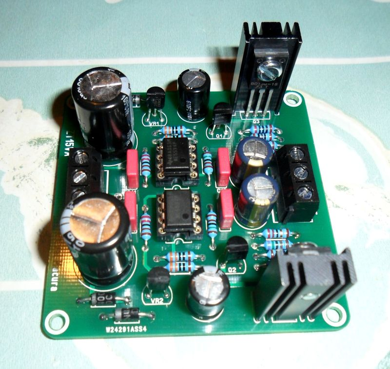Pré-ampli avec AMB pcb basé sur OPFab-01 - Page 2 Sam_2711