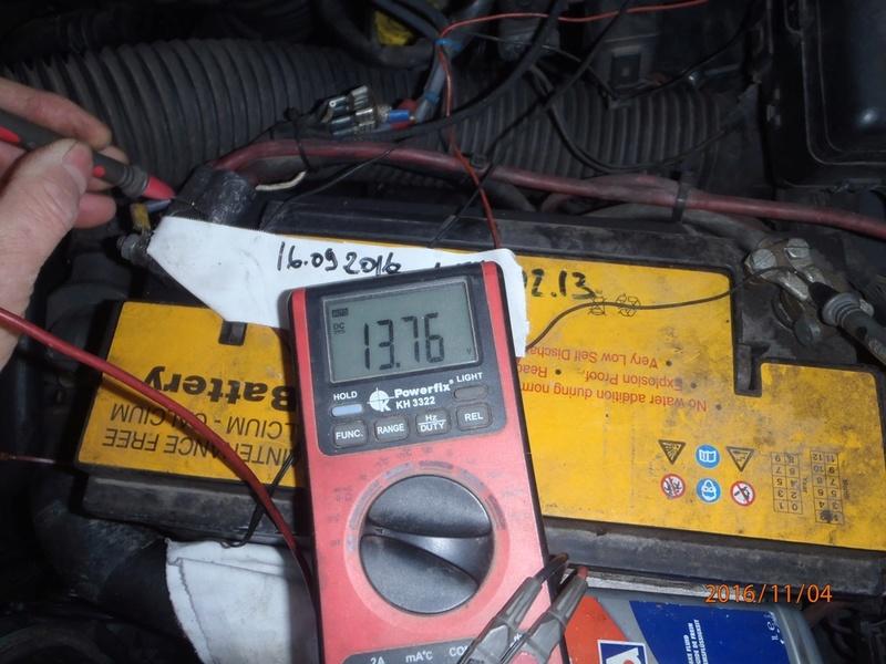 Placement d'antigel concentré moteur VM. (5 litres). Pb040111