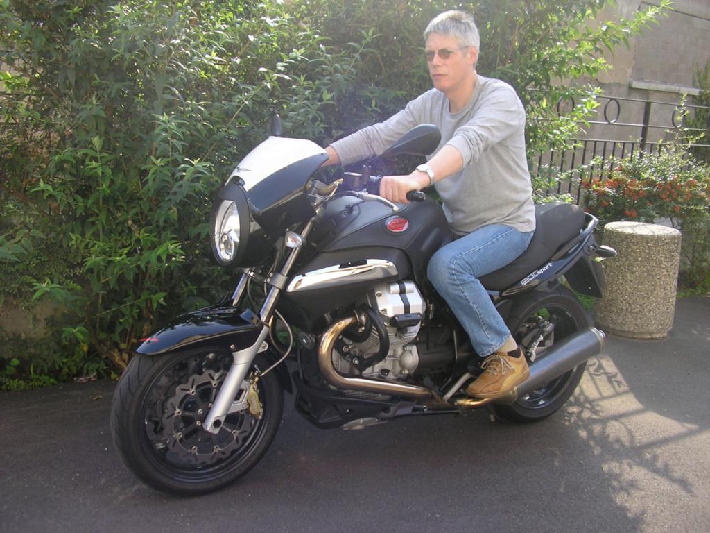 Moto Guzzi 1200 Sport : une Moto d'Homme  441_1210