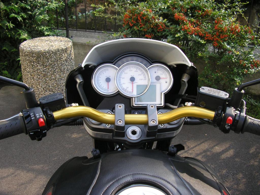 Moto Guzzi 1200 Sport : une Moto d'Homme  444_gu10