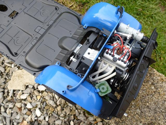 """Suite du montage chassis de ma """"Gordini"""" P1090311"""