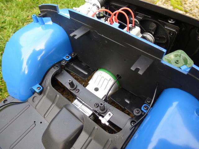 """Suite du montage chassis de ma """"Gordini"""" P1090314"""
