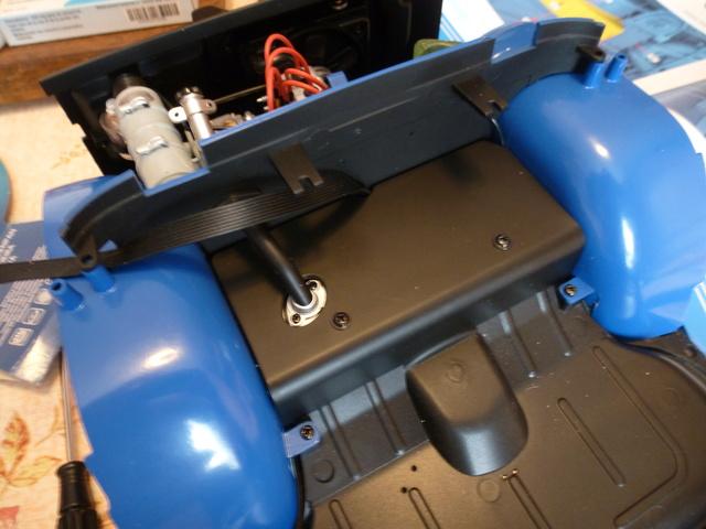 """Suite du montage chassis de ma """"Gordini"""" P1090813"""