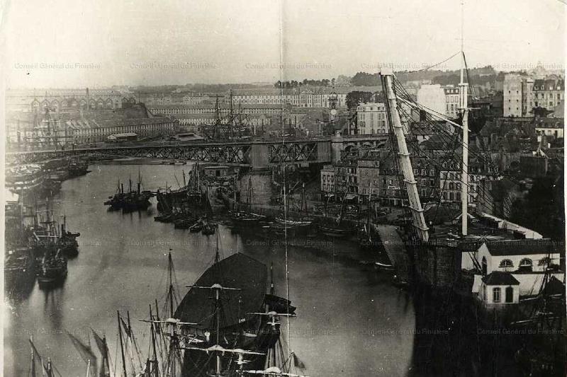 [Vie des ports] BREST Ports et rade - Volume 001 - Page 19 204810