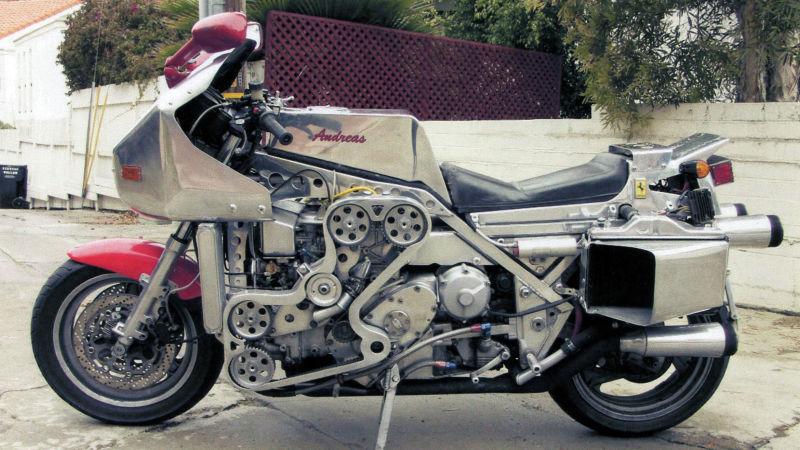No limit à l'imagination pour les motos, Humour of course! - Page 38 12307011