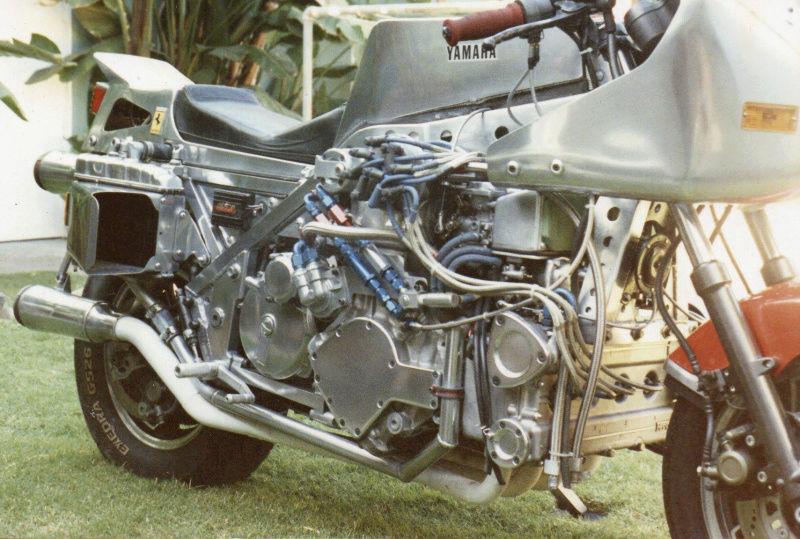 No limit à l'imagination pour les motos, Humour of course! - Page 38 12307013