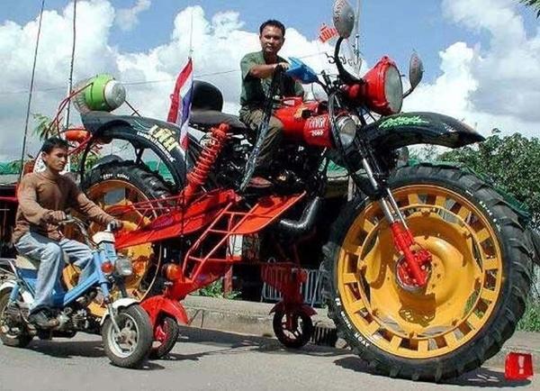 No limit à l'imagination pour les motos, Humour of course! - Page 38 Tracto10