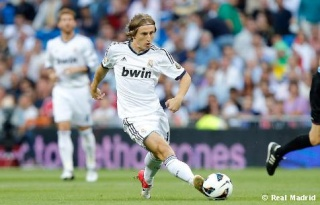 ليفاندوفيسكي: كل لاعب في ريال مدريد يُشكل خطراً   Real_m10
