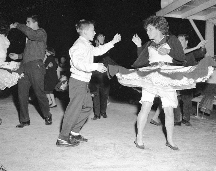 Vintage teenagers pics 10060210