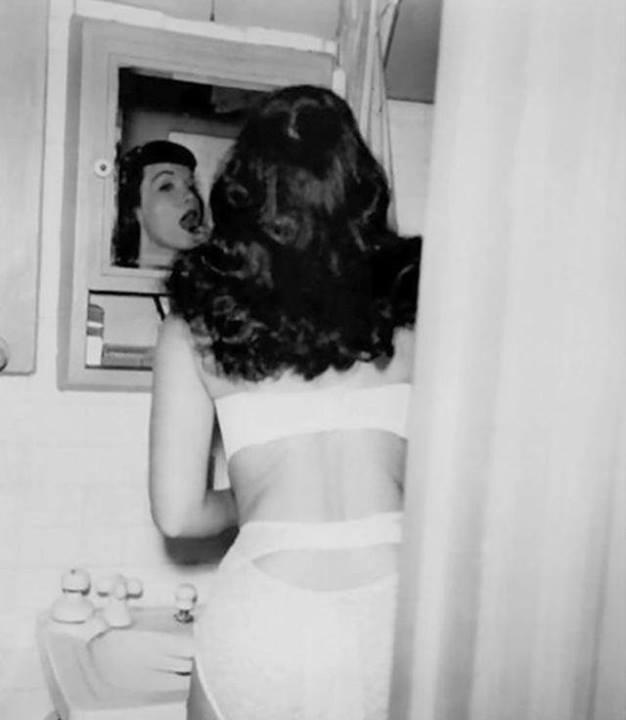 Betty Page 10168710