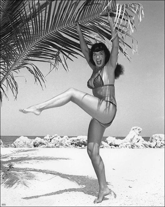 Betty Page 16536_10