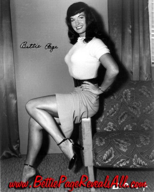 Betty Page 30111210
