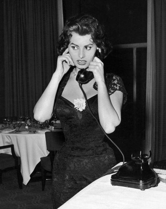 Sophia Loren 40602710