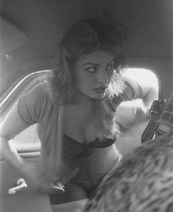 Sophia Loren 48118010