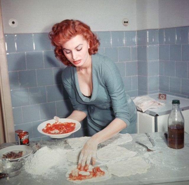 Sophia Loren 52697010