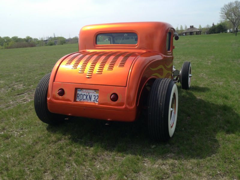 1932 Ford hot rod - Page 3 Kgrhqq10