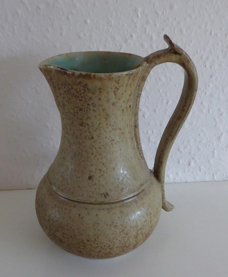 Interesting jug , made 'yesterday'? P1070813