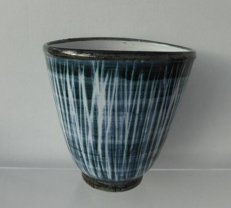Rye Pottery, David Sharp etc.  - Page 6 Rye_ji10