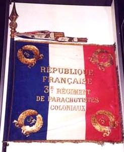TOPIC 3ème Régiment de Parachutistes d'Infanterie de Marine (3ème RPIMA) Drapea10