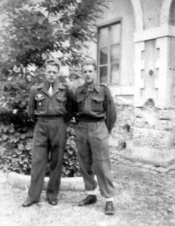 maréchal des logis. Serge-Emile Rousseau  8eme BPC  MPLF le 12 aout 1954 Les_fr10