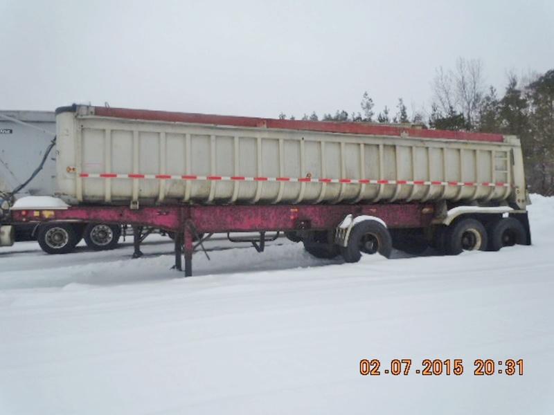 Dump trailer Fruheuf .  Dscn2510