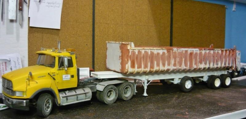 Dump trailer Fruheuf .  P1150112