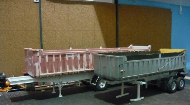 Dump trailer Fruheuf .  P1150119