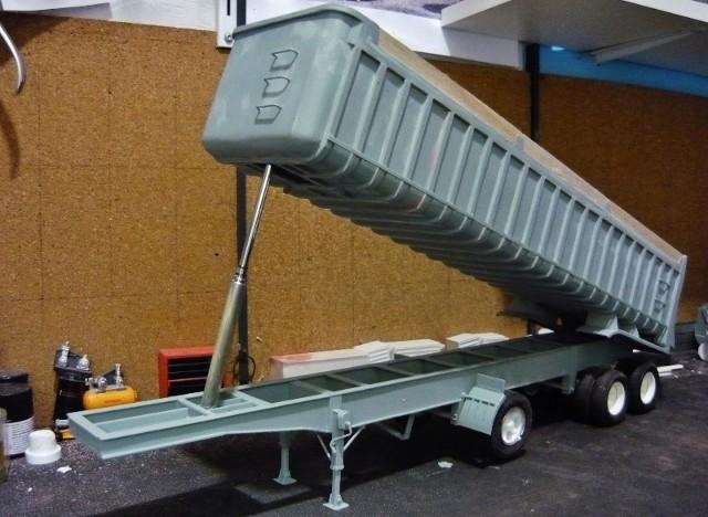 Dump trailer Fruheuf .  P1150122